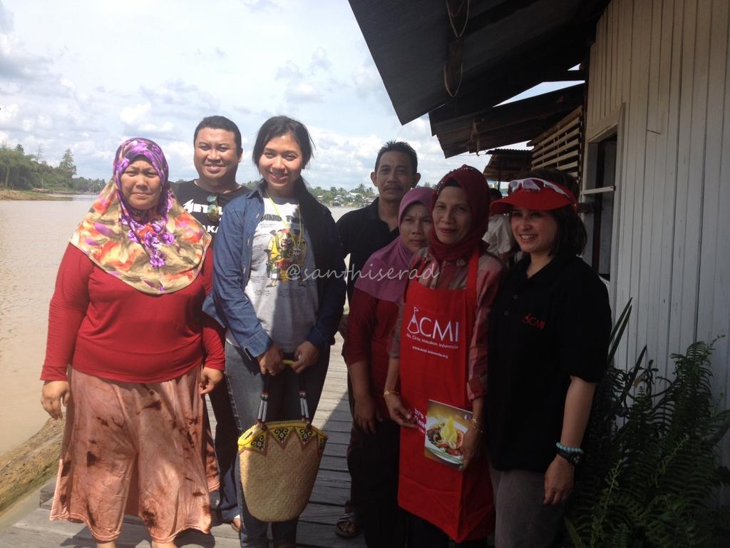 Foto bersama Bapak & Ibu Camat (Copy)