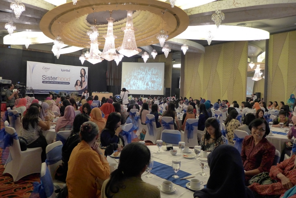 ramainya peserta Acara Talkshow Sisterhood Kartini-Dove (Copy)