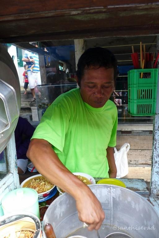 Foto Mang daud penjual LoMie (Copy)