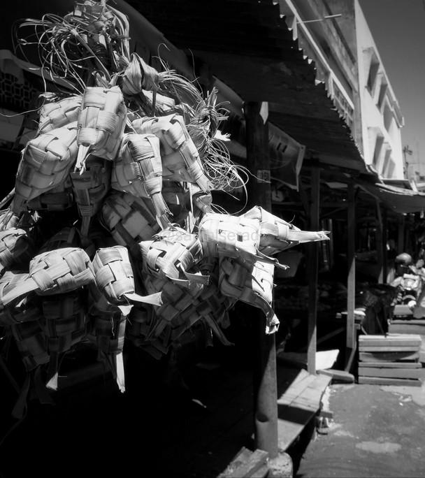 Pasar Bawah Pekanbaru: Ketupat