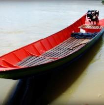 Kutai Barat: Perahu di Tepian