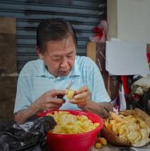 Pasar Petak 9 Glodok: Mengupas Nangka