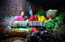 Pasar Badung, Bali: Ibu Penjual Sayur