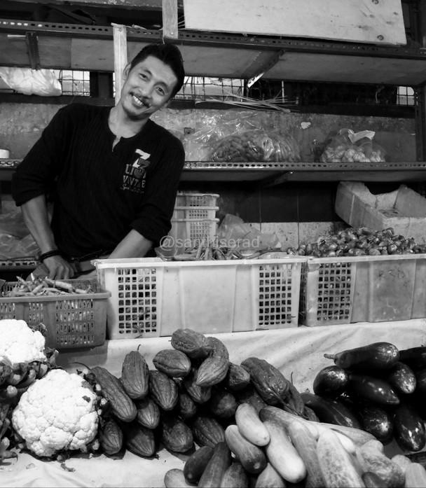 """Pasar Muara Karang: """"Fotoin Saya dong Mbak…"""
